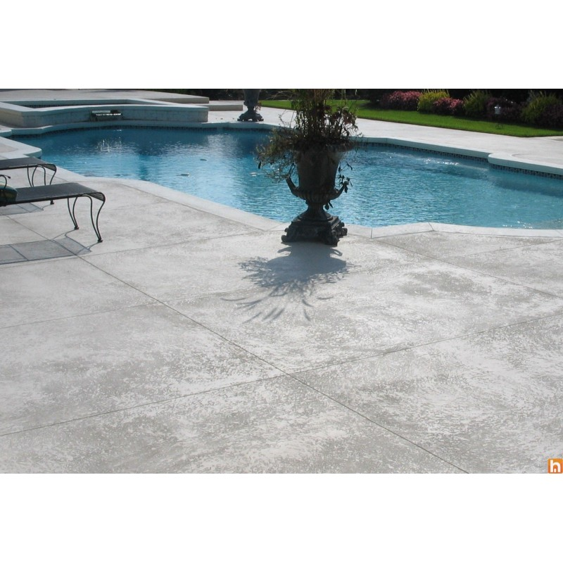 Spray b ton pour surfaces l 39 ext rieur harmony beton for Piscine mortier tours