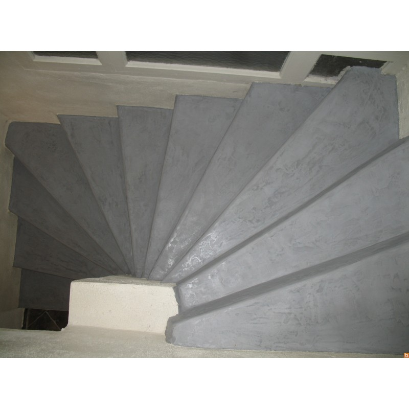 beton cir sur escalier kit pour carrelage harmony b ton. Black Bedroom Furniture Sets. Home Design Ideas