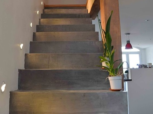 LED escalier béton ciré
